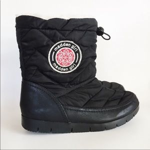Madden Girl Icicle Winter Black Snow Boot size 9
